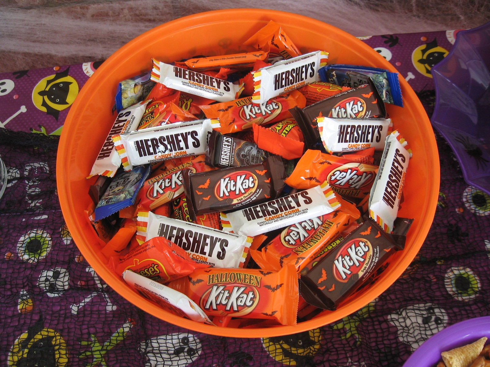 Easy Halloween Party Table Monster Mix Recipe